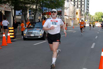 Mike DeHaan finishing the 2007 Toronto Challenge 5Km