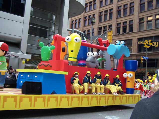 """""""2009 Santa Claus Parade in Toronto"""" image by c'est la Viva"""