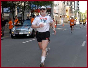 Mike DeHaan finishing the 2007 Toronto Challenge, image by Toronto Challenge organizers